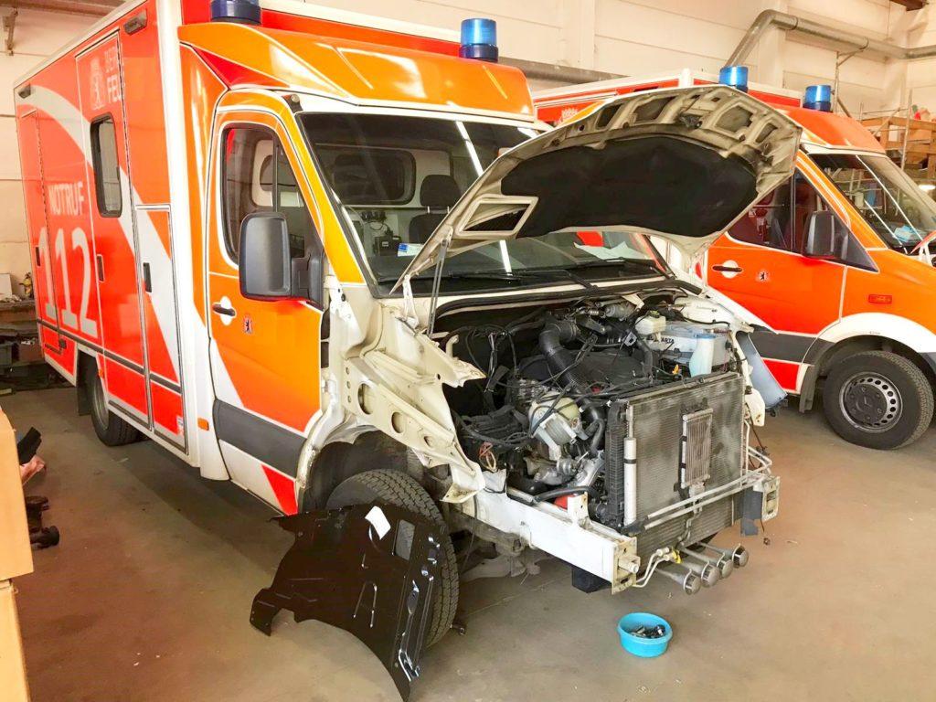 Verunfallter RTW der Feuerwehr