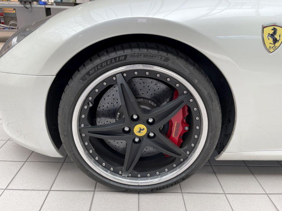 Rad-Reifen-Kombination